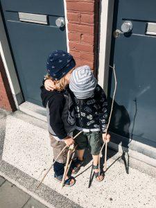 Strategien gegen Hilflosigkeit – und was das mit Waffen bei Kindern zu tun hat